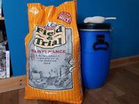 "15kg UNOPENED ""Skinners Field and Trial Maintenance"" Complete Dog Food with FREE storage bin & scoop"