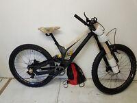 Specialized Demo 8 Carbon 27.5 Mountain Bike 2017 Satin Black/Black