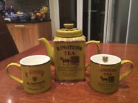 Ringtons Heritage Tea Pot & Mugs by Wade - Excellent Condition, display only