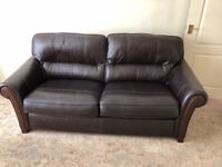 Leather settee and chair excellent condition