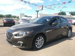 2014 Mazda MAZDA3 GS-SKY w/convenience pkg & sunroof