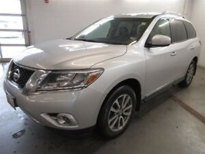 2014 Nissan Pathfinder SL- 4X4! 7 PASS! FULLY LOADED! SAVE!