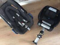 Maxi cosi car seat with easygoing car base
