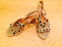 Summer sandals, nearly new, size 38