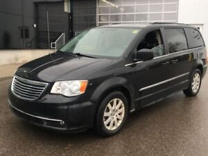 2013 Chrysler Town & Country Touring | NAV | CAM | STOW-N-GO
