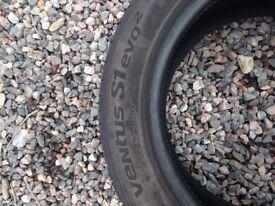 CAR TYRES . HANKOOK 17 inch CAR TYRES x2