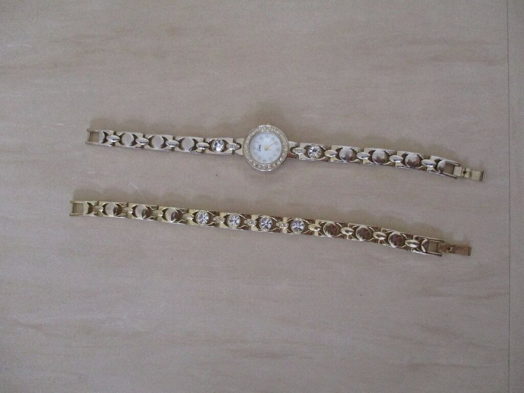 Jewellery Setin Poole, DorsetGumtree - Jewellery set (never used). Brilliant condition. Collection only. Bracelet, watch and necklace.Grab a bargain,neklace is a gratis. Text 07513457612