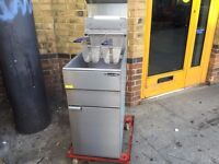 COMMERCIAL CATERING GAS FRYER FAST FOOD RESTAURANT CHICKEN KEBAB TAKE AWAY BBQ SHOP KITCHEN BAR