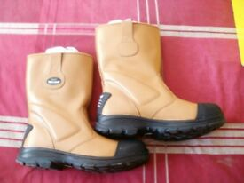 SIZE 10 RIGGER SAFETY BOOTS