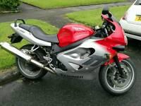 Triumph TT 600 Red