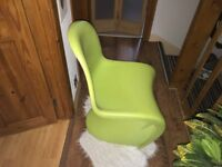 Green Retro Vintage plastic chair