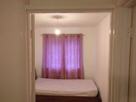 Room to rent- £400 P/M