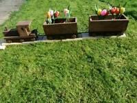 Train and.carrage planter