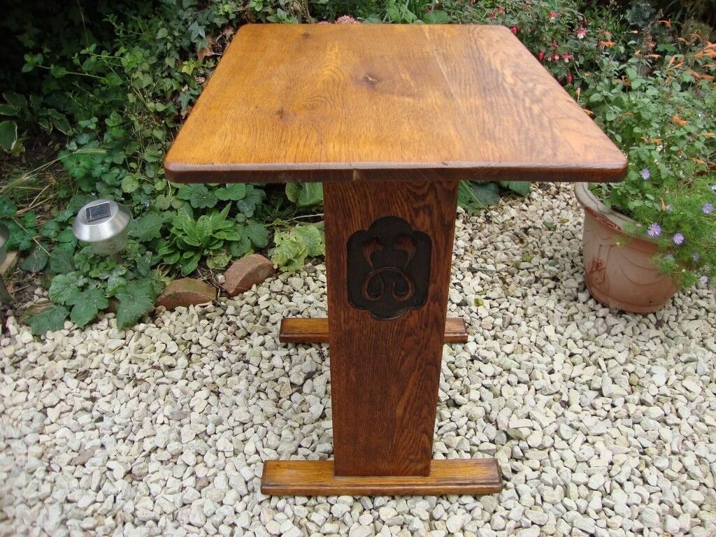 Antique Solid Oak Plant/Lamp/Hall Table.