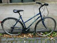 "Specialized Crossroads ""Cruz"" Hybrid Bicycle, Superb Working Order and Condition"