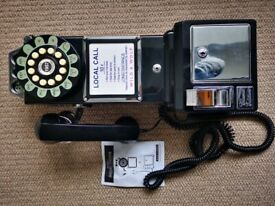 Wild and Wolf retro diner phone