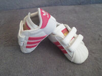 Baby girl's Adidas booties , pram shoes NEW, size UK 0 K