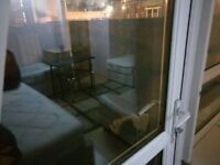 Large twin or triple room in Poplar, £200 wk including ALL bills.