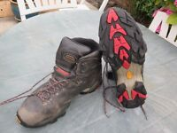 Zamberlan Men's Hiking Boots. Size 11, Gortex FLEX STM. Used once only. Good condition