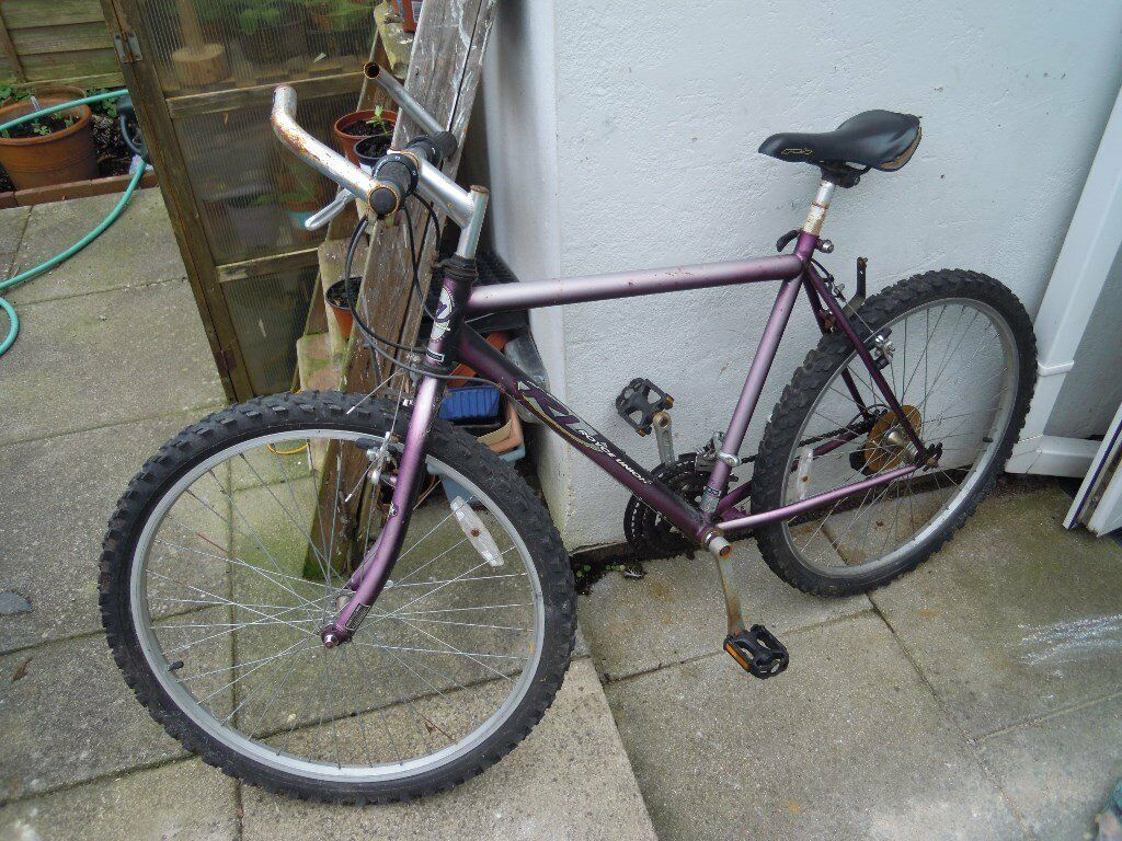 Cheap Mountain bike, Working and ready to ride, £15 ! Bicycle
