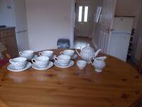 Johnson Brothers Millie Fleur Tea Set - Brown