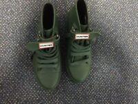 Unisex Hunter Milbank green Baseball boots UK 2
