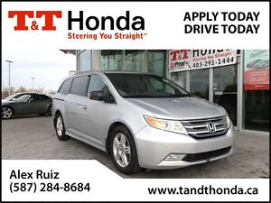 2013 Honda Odyssey Touring *No Accidents, Local Van, DVD*