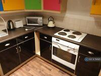 2 bedroom flat in Otago Street, Glasgow, G12 (2 bed) (#794925)
