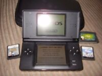 NINTENDO DSI LITE WITH GAMES MINT CONDITION