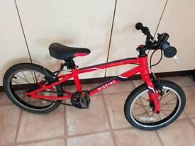 "LOOKING FOR A TRADE; Wiggins Macon 16"" Kids Hybrid Bike - 2016"