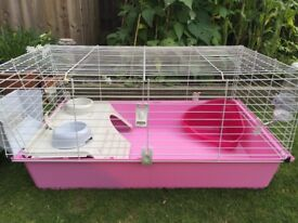 Rabbit cage complete with bottle hopper bowl and litter tray. Only bought July 2018