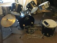 Drum kit + microphones and stand, includes 2 silver drums with snares,