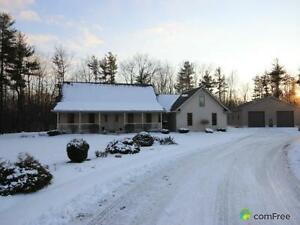 $995,000 - Acreage / Hobby Farm / Ranch for sale in Tillsonburg