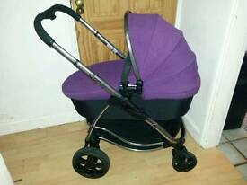 Icandy strawberry with carrycot and raincovers