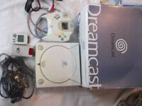 SEGA DREAMCAST CONSOLE - BOXED WITH 7 GAMES AND ACCESSORIES.