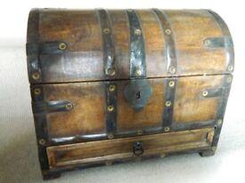 Wooden stationery box