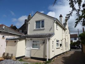 3 BEDROOM FIRST FLOOR APARTMENT CENTRAL TOPSHAM