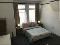 Room By the Train station **12 mins to London Bridge