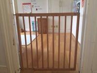 Baby Dan Wooden safety gate
