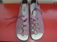 Hotter Ladies lace up Sandals size 7, mauve shade.