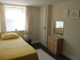 Double room with own shower room in city centre