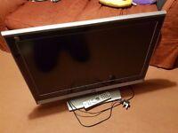 """JVC HDR 32"""" TV"""