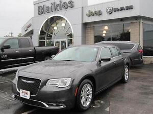2016 Chrysler 300 Touring | BACK UP CAM | SUNROOF | HEATED SEATS