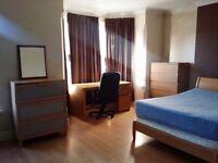 Nice Double room near forest field tram stop. NTU students