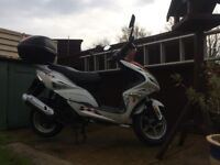 Znen 125cc Scooter