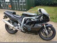 Susuki GSXR 400 GK76A, GREY, GOOD CONDITION, COMPLETELY STOCK, 1 YEAR MOT