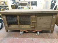 Rabbit hutch heavy duty in excellent condition