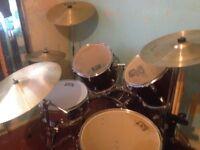 8 pc drum set