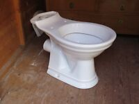 Heritage Toilet/cystern with washbasin.