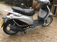 Piaggio liberty 125 2004 very low miles mot October reduced to £399 no offers
